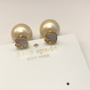 New💕Kate spade logo pearl earring